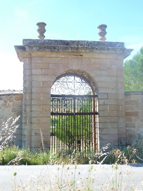 Cultivos seguntinos poco conocidos for Puerta que se cierra sola